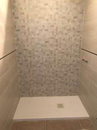 Trabajamos con los mejores proveedores de materiales para platos de ducha, mamparas, grifería y mobiliario para baño
